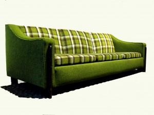 Green-Sofa5-300x225