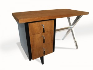 Lloyd-Desk